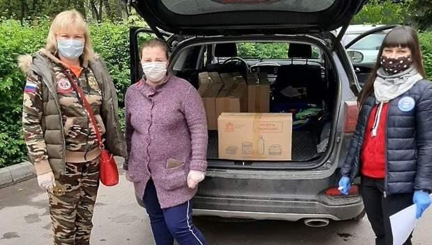 Депутаты Подольска стали волонтерами и развезли продукты нуждающимся
