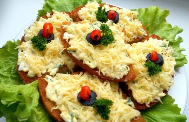 Идеальное дачное блюдо: 7 рецептов вкуснейших горячих бутербродов