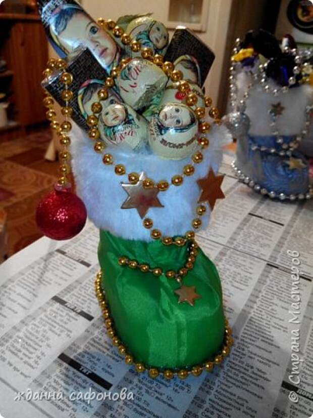 Мастер-класс Свит-дизайн Новый год Моделирование конструирование новогодние сапожки- подарки мастер класс Бусины Картон Клей Мех Пенопласт Продукты пищевые Стаканы фото 28