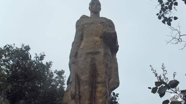 В Татарстане снесли памятник Неизвестному солдату