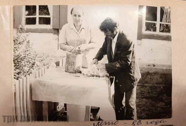 Фото из личного архива. Родители мужа, обычные будни