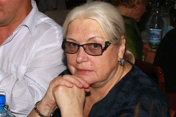 «Хочу деньги!»: Лидия Федосеева-Шукшина требует миллионную компенсацию от пасынка