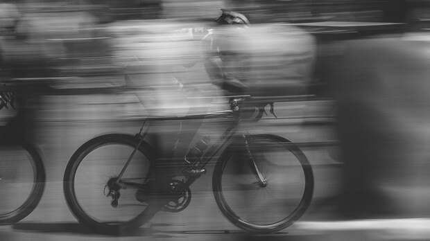 Юный велосипедист попал под колеса иномарки в Петербурге