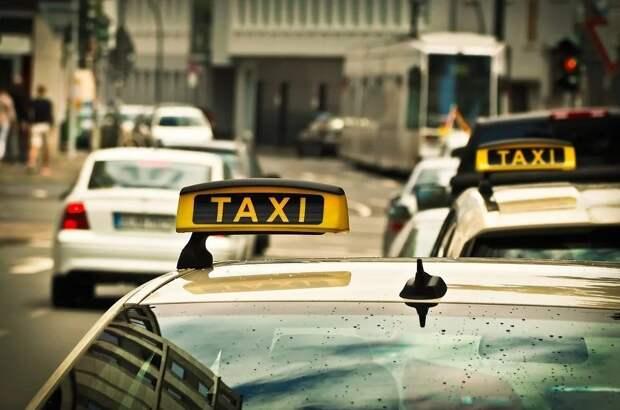 В центре Москвы задержали таксиста, стрелявшего в полицейских