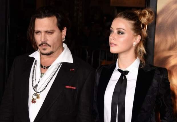 Жена Джонни Деппа обвинила его в хроническом пьянстве