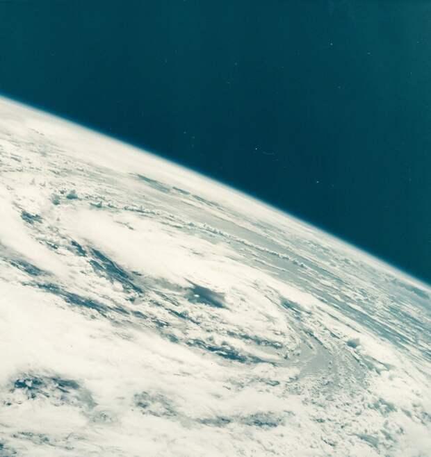 1968, октябрь. Ураган Глэдис в Мексиканском заливе  с борта «Аполлона-7»