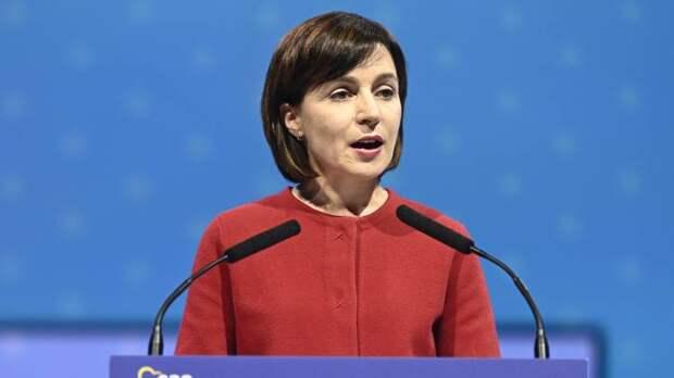 Санду заявила о необходимости наладить отношения между Молдовой и Украиной