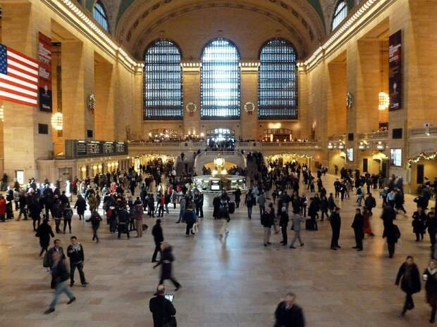 10 место. Центральный вокзал в Нью-Йорке — это крупнейший железнодорожный вокзал в мире. Ежегодно его посещают 21,6 миллионов человек.