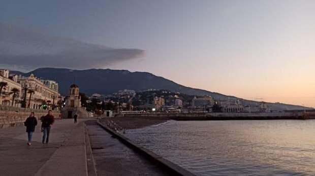Потребление энергоресурсов возрастает в Крыму в туристические сезоны