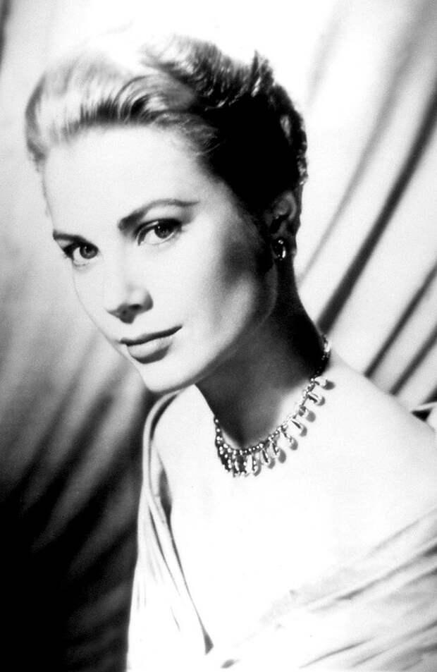 Grace Kelly MGM Parade 1956
