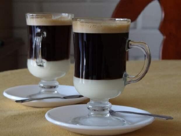 Бонбон, Испания. Эспрессо со сгущенным молоком.