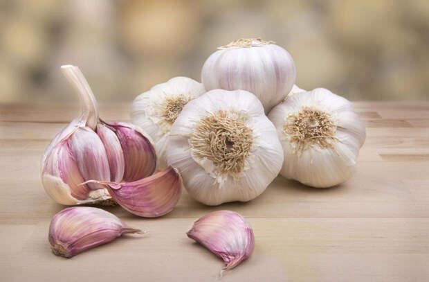 Повышаем иммунитет едой: варим бульон с желатином и добавляем лук