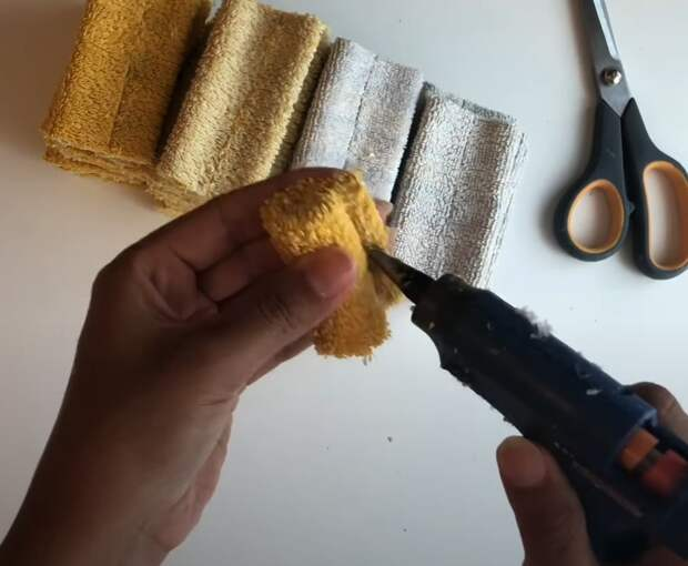 Нетривиальная техника использования старых полотенец. Отличная идея для вдохновения