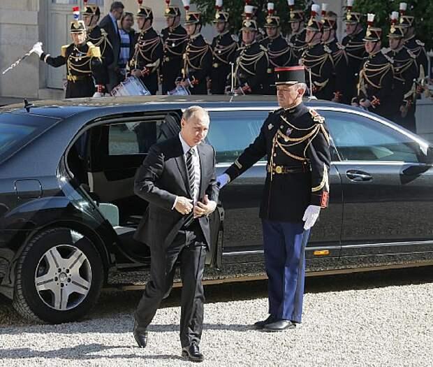 Four leaders arrive in Paris for Ukraine peace talks