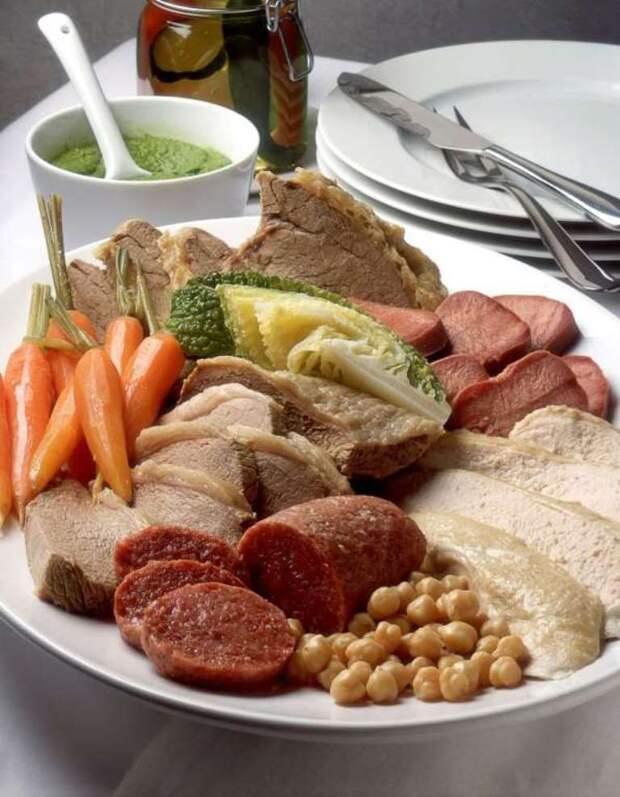 Болито мисто (Италия) блюдо, еда, туризм