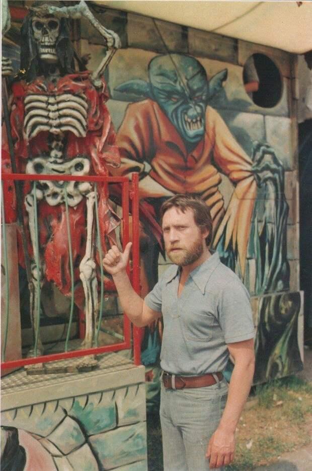 Владимир Высоцкий оценивает уровень граффити. Франция, Париж, 1970-е история, картинки, фото