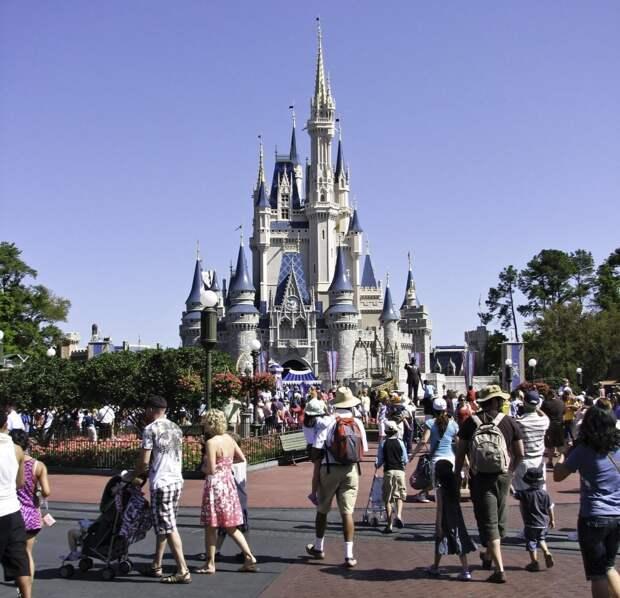 12 место. Disney World's Magic Kingdom в Орландо, который открылся в 1971 году, ежегодно посещают 18,5 миллионов человек.