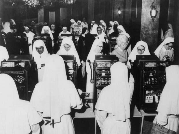 Монахини в ночном клубе. Сидней. Австралия. 1971г. интересно, история, фото