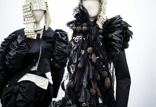 Любимый цвет Кавакубо - черный.