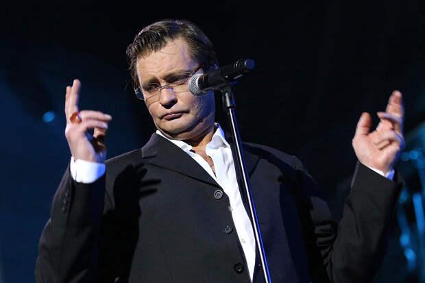 Домогаров заявил, что потерял смысл жизни после смерти сына