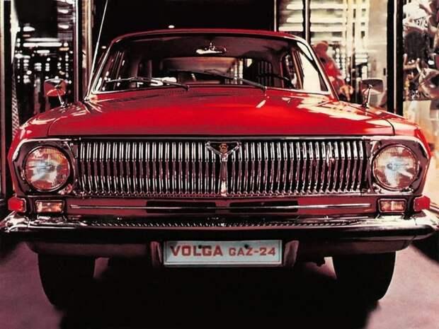 24-я Волга создавалась еще при старой системе, а выпускалась уже при новой. Но все равно осталась ГАЗ-24. По новой схеме стали называть только следующую Волгу ГАЗ-3102 СССР, авто, автомобили, азлк, ваз, газ, лиаз, советские автомобили