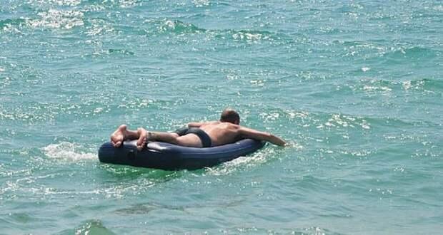 В Анапе запретили плавать в море