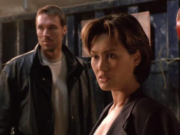 """Кадр из фильма """"Блуждающая пуля"""" (1996)"""