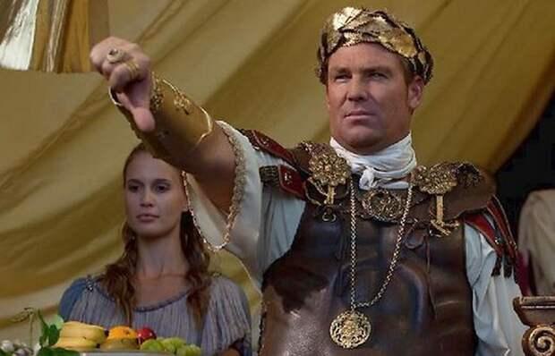 «Палец вверх» и «палец вниз»: Что на самом деле обозначали эти жесты в Древнем Риме