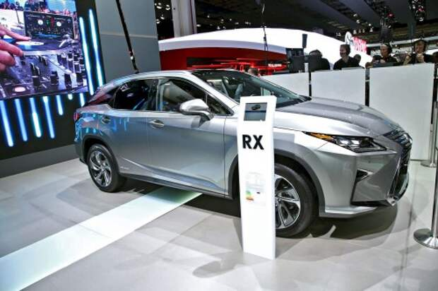 Lexus RX примчался в Европу с турбоподхватом