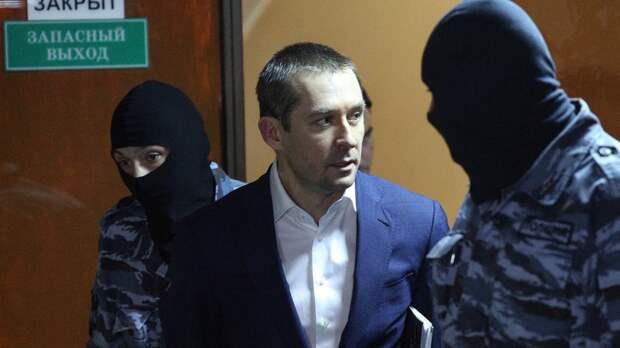 Осужденный экс-полковник Захарченко: меня навещают только птицы