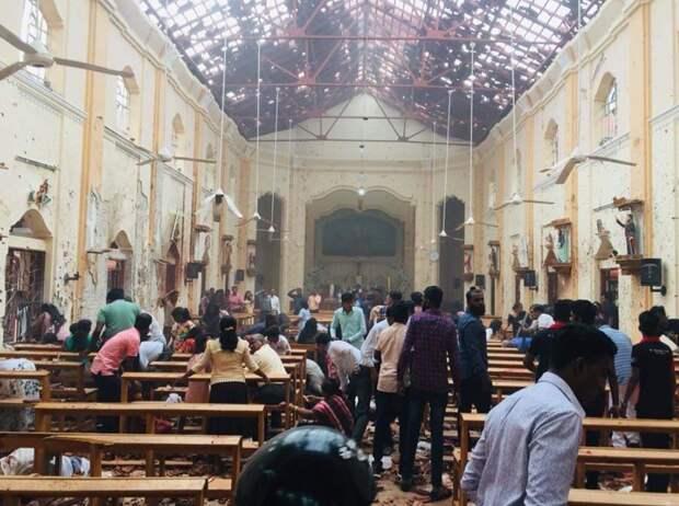 При взрывах в церквях и отелях на Шри-Ланке погибли 42 человека