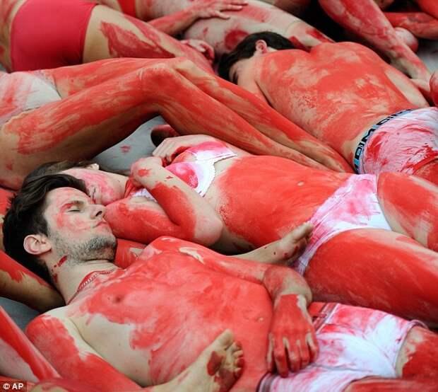 Кровавый протест против убийств животных