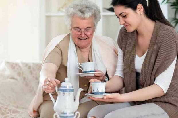 Бабуля-соседка хочет переписать свою квартиру в благодарность за помощь и общение