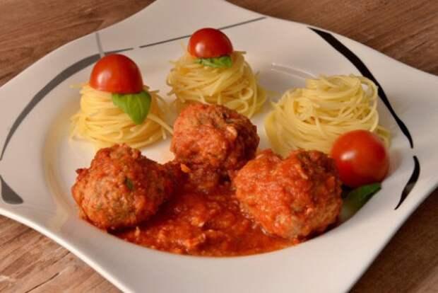 Dirk-Vorderstrabe-Spaghetti-Meatballs-e1425305565563