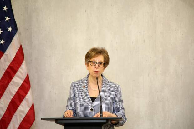 Посол США в Латвии Нэнси Петит