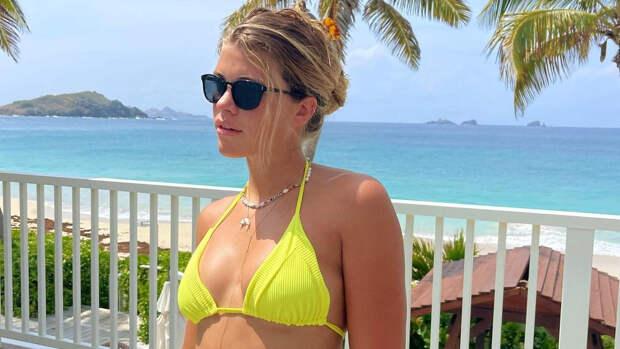 6 составляющих идеального отпускного образа по версии Софии Ричи
