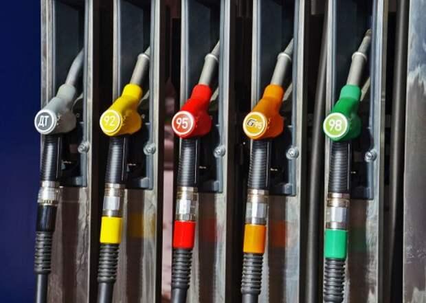 Какой бензин заливать: восемь ответов и один совет