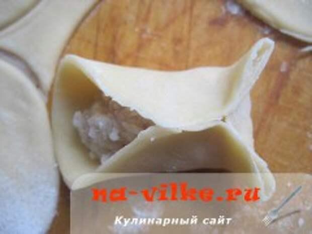 Манты со свининой в мультиварке