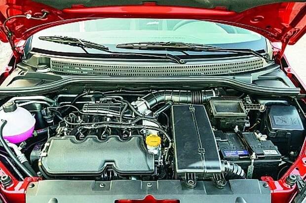 В аккуратно скомпонованном моторном отсеке – модернизированный 106‑сильный мотор, возможностей которого Весте вполне достаточно.