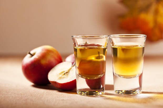Что приготовить из яблок: давим сок, варим компот и ставим сидр