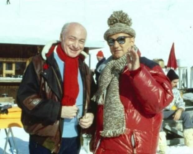 """Жерар Ури и Колюш на съемках фильма """"Месть пернатого зверя"""", 1984 год"""