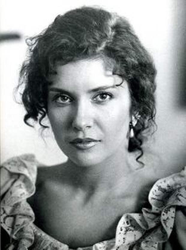 Красавицы из 90-ых: Вера Сотникова