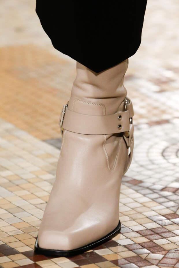 Бежевые ботинки с тупым носком. Коллекция FW 2018-2019 Altuzarra