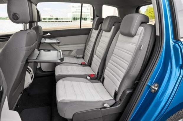Новый VW Touran: практик