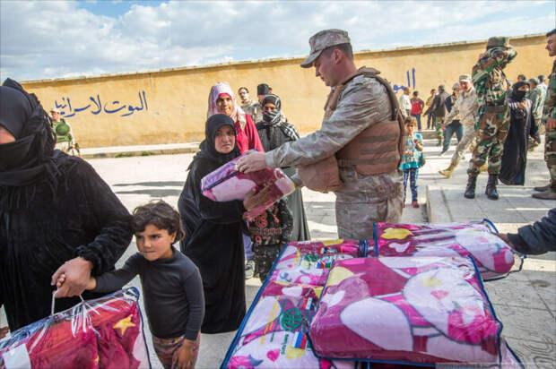 Российские военные колонны выдвигаются в разные концы Сирии