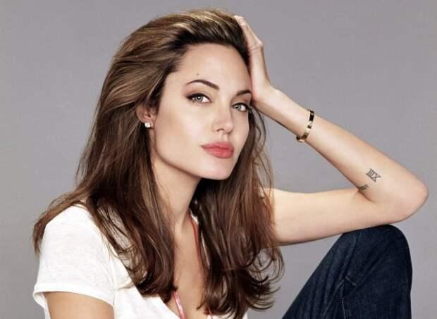 Джоли рассказала о личной жизни в эфире BBC Radio 4
