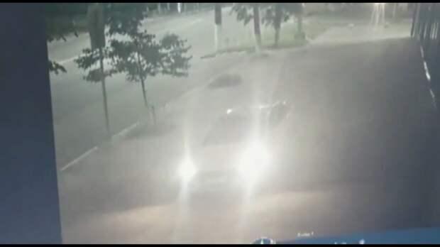В Твери рецидивист проехался по тротуару, а затем ограбил прохожего