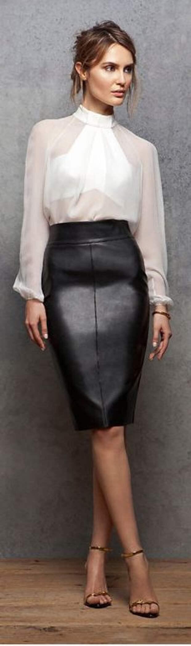 кожаная юбка с шелковой блузкой2