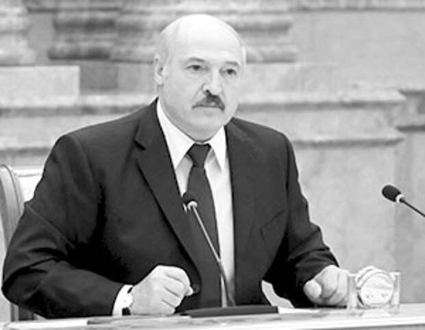 Лукашенко потребовал от нового кабмина снизить зависимость Белоруссии от России