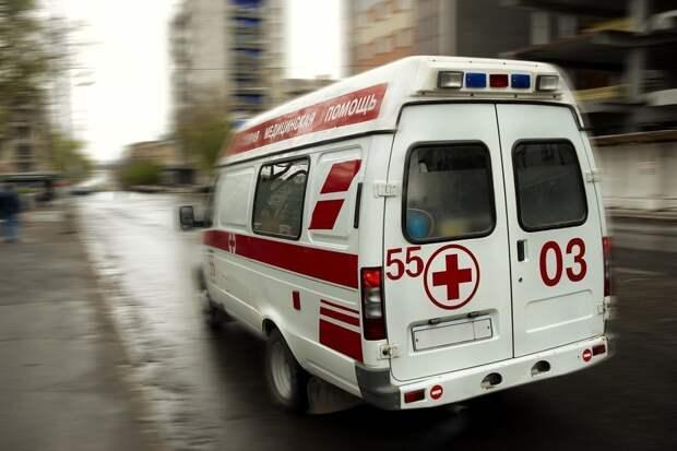 В Саратове мужчина выжил, упав с 10-метрового моста в овраг
